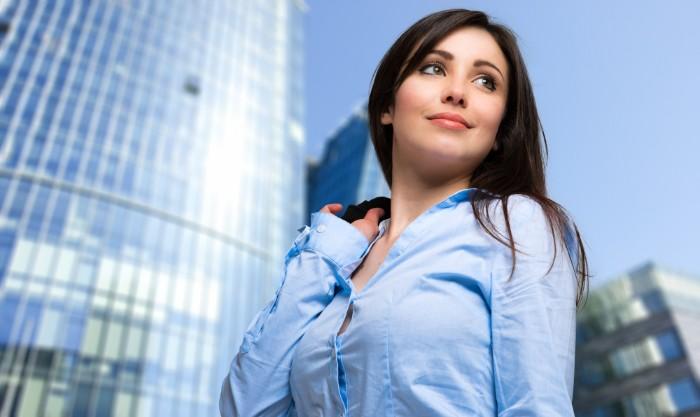 未経験から会計事務所に就職している女性のイメージ