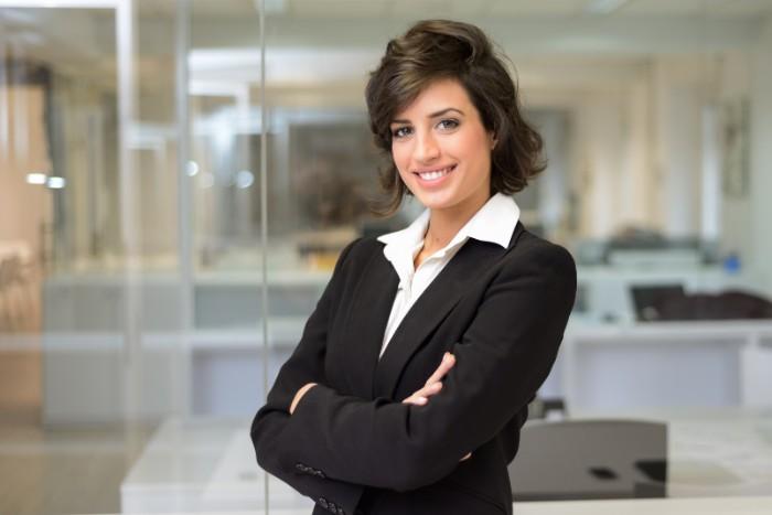 未経験から会計事務所に就職した女性のイメージ