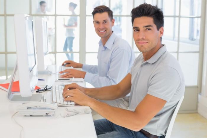 【ITコンサルタントへの転職】なるための有利な資格や年収情報などご紹介の画像
