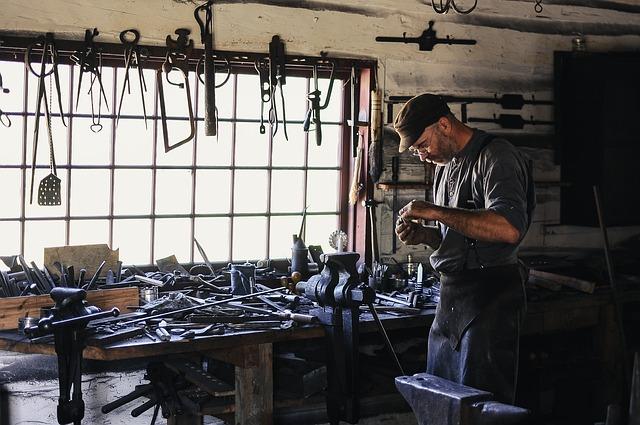 【日立金属に転職するためには】様々な中途採用情報を公開しますの画像