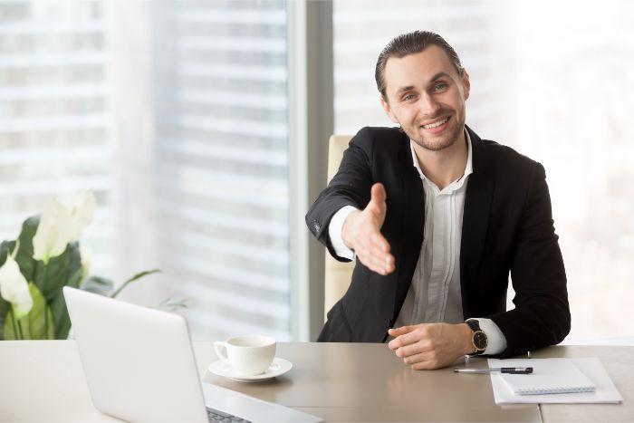 【自動車業界から異業種への転職】他業界でも通用できる転職先とはの画像