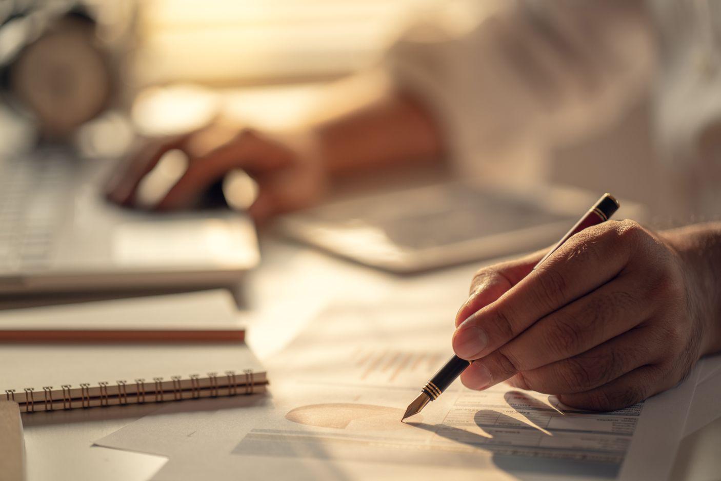 退職後の失業保険の手続きの流れ|給付の条件・日数・金額を解説