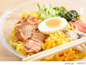 いつもの昼食に。小腹がすいた深夜に。 ついつい食べちゃう安心の味を、今日も届けます。