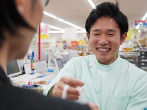 未経験・第二新卒、登録販売者資格が無い方も大歓迎! 東証一部上場グループでの勤務です。